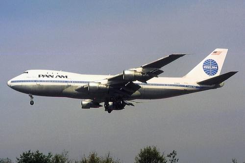 1977_news_boeig_747_n736pa